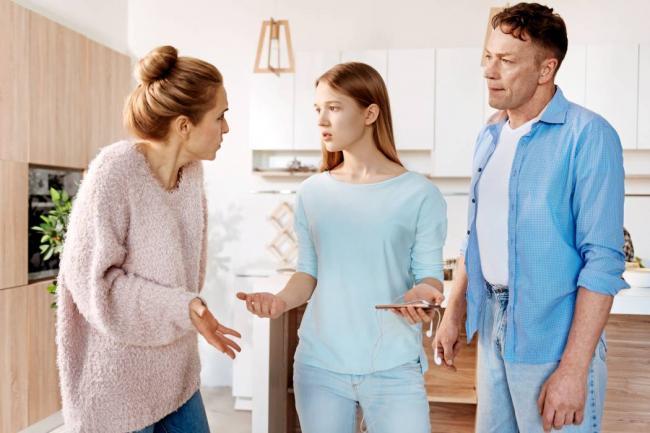 ¿Se extingue el derecho de uso a la vivienda familiar cuando cumplen la mayoría de edad los hijos?