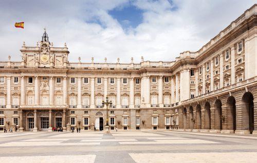 SI ME DIVORCIO DE MI PAREJA ESPAÑOLA, ¿ME CONCEDERÁN IGUALMENTE LA NACIONALIDAD?